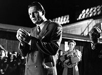 Schindler's List Oskar receives a ring from his Jewish workers - the Elixir